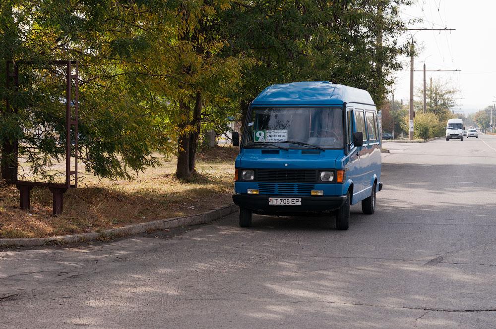 """Водитель маршрутки """"9А"""" нарушает правила дорожного движения"""