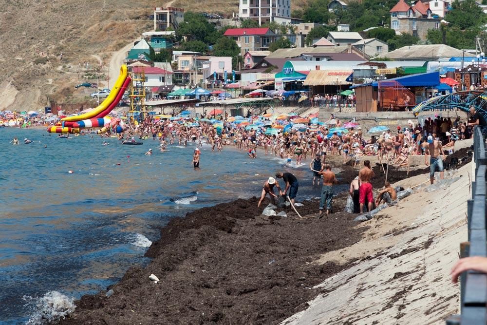 Крым, поселок Орджоникидзе (Феодосия), пляжи - лето 2011 года (23)