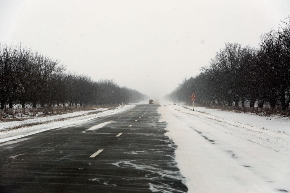 Приднестровье, трасса Рыбница - Тирасполь, февраль 2012 года (1)