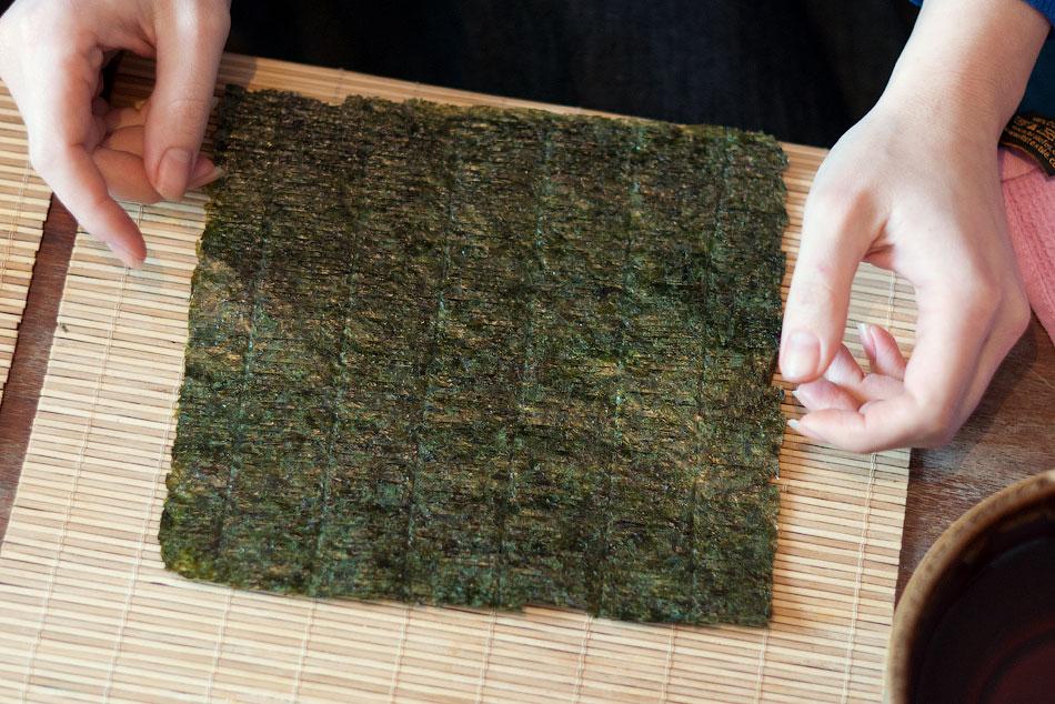 Японская кухня - готовим суши, делаем роллы (7)