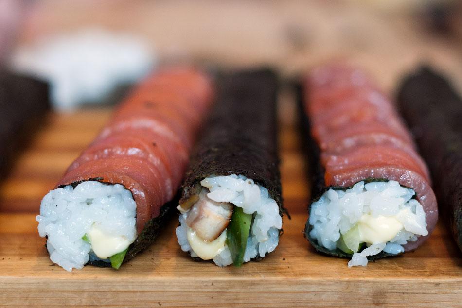 Японская кухня - готовим суши, делаем роллы (13)