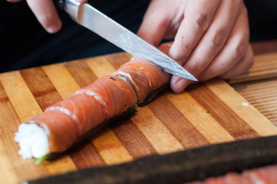 Японская кухня - готовим суши, делаем роллы (17)