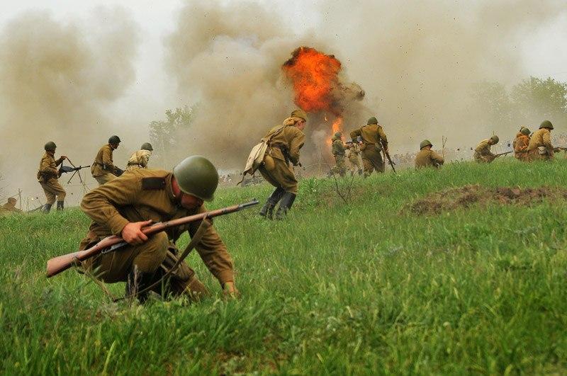 Битва за Берлин - реконструкция одного из сражений Великой Отечественной (2)