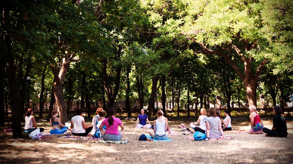 Йоги в городе! Фотопрогулка по Тирасполю - 1 июля 2012 года. (5)