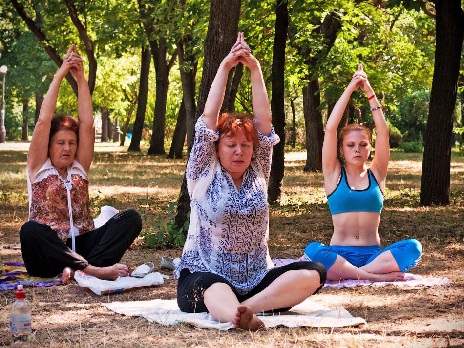 Йоги в городе! Фотопрогулка по Тирасполю - 1 июля 2012 года. (12)