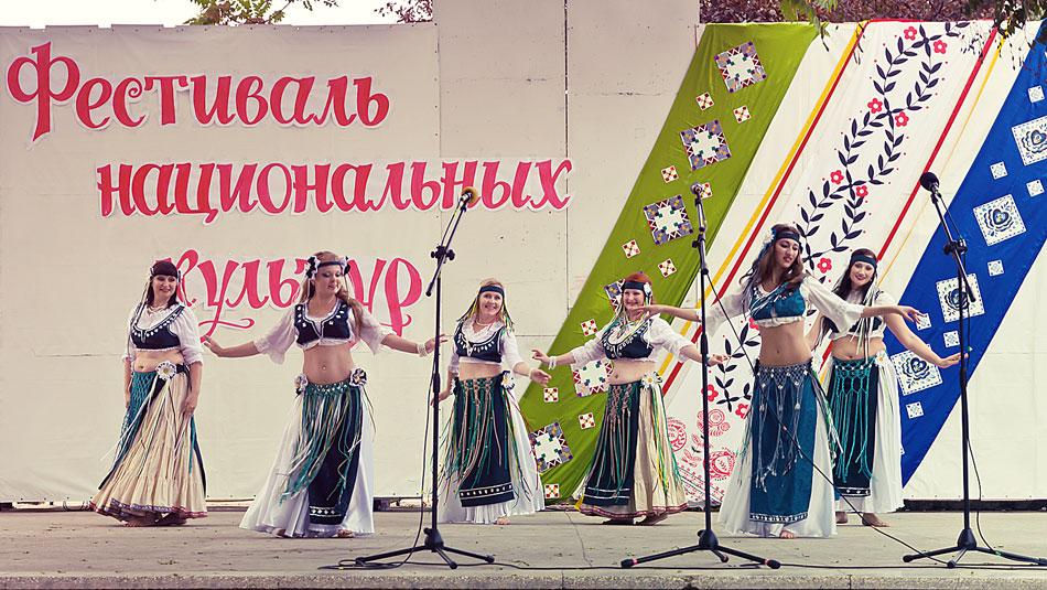 """ыступление СВТ (студия восточного танца) """"Яэль"""" на фестивале национальных культур в Тирасполе - 15 сентября 2012 года"""