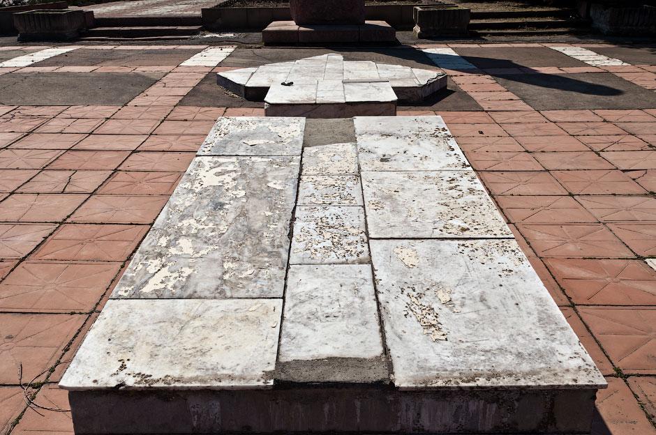 Памятник павшим в войне 1992 года - дальнее кладбище в Тирасполе (5)