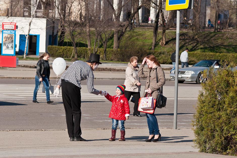Мимы на улицах Тирасполя (12)