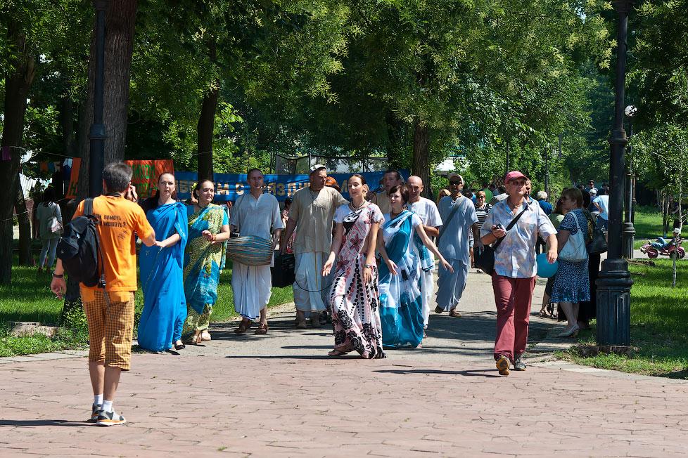 Кришнаиты на митинге в защиту свободы слова