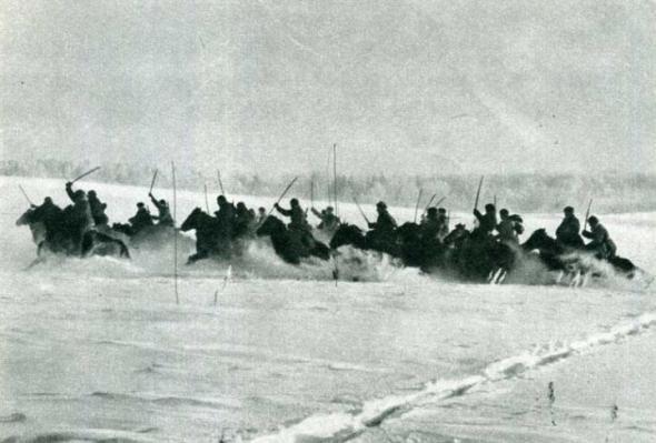 Как наши кавалеристы румынов порубали