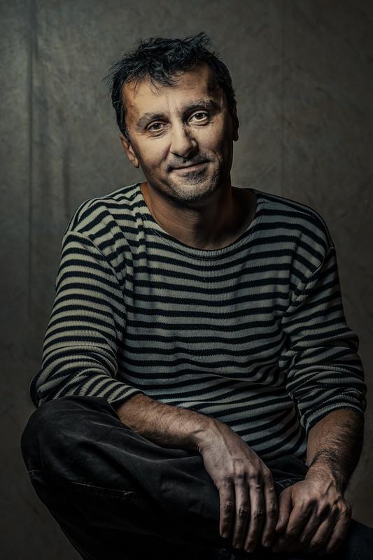 Красивый мужчина Бес Араб